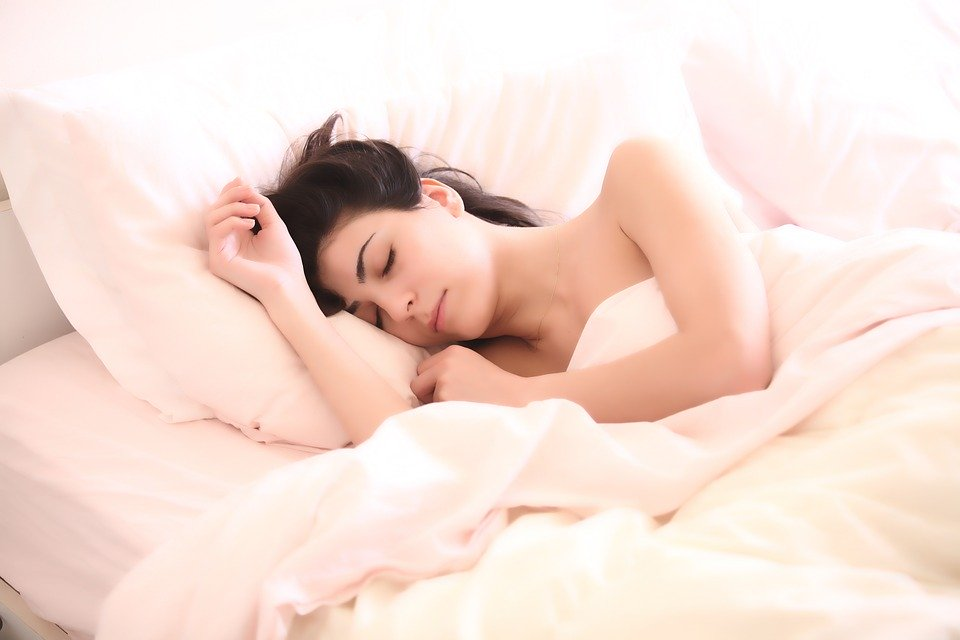 Amazing Stay young! 5 treatments you should do before bed